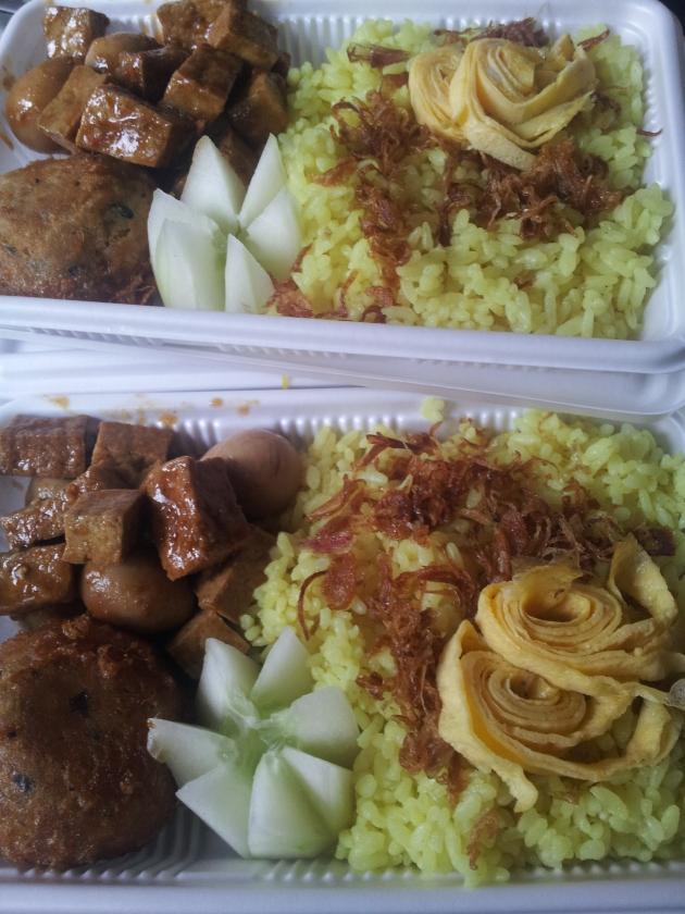 Nasi kuning ala mbak Dini ;)